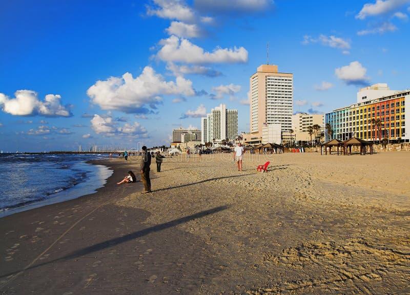Opinión de la tarde sobre la playa de Tel Aviv fotos de archivo