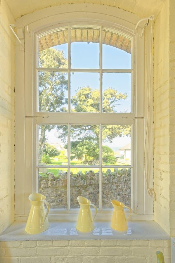 Opinión de la ventana de Cornualles, el soporte de los michaeldel st Isla imágenes de archivo libres de regalías