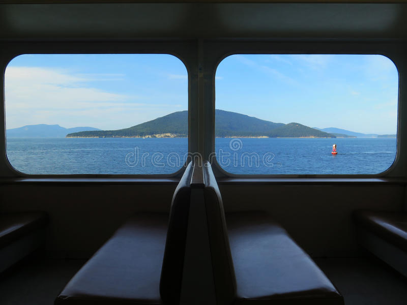 Opinión de la ventana de un transbordador imagen de archivo