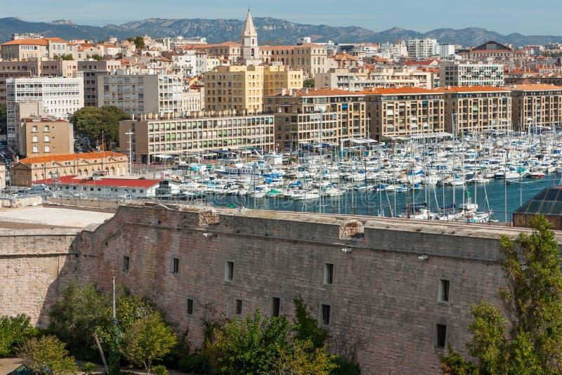 Opinión de Marsella del acceso viejo foto de archivo