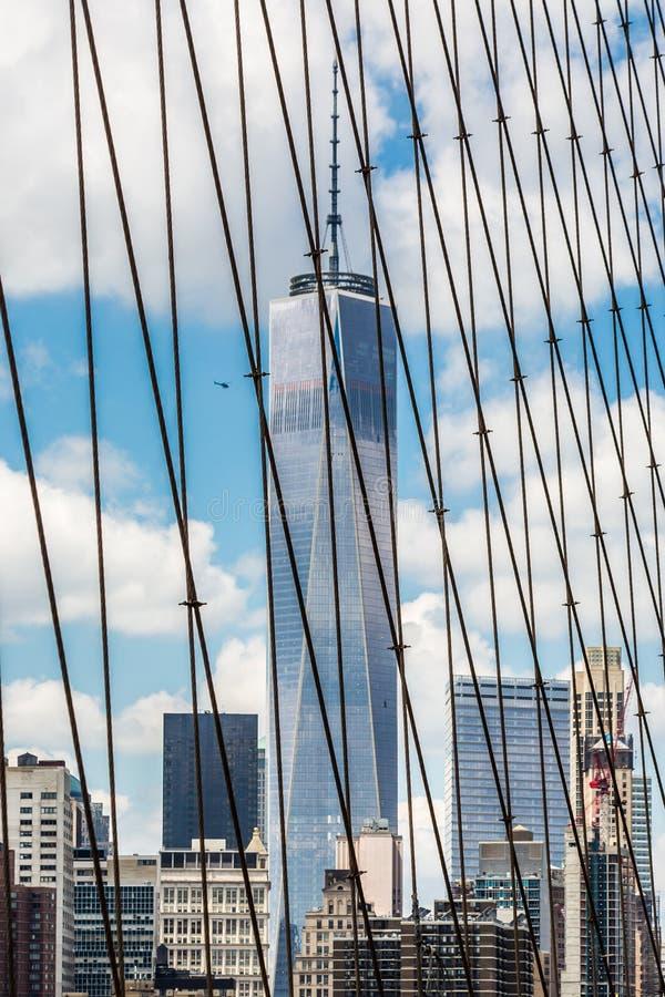 Opinión de Patrly del Lower Manhattan, del puente de Brooklyn NYC foto de archivo