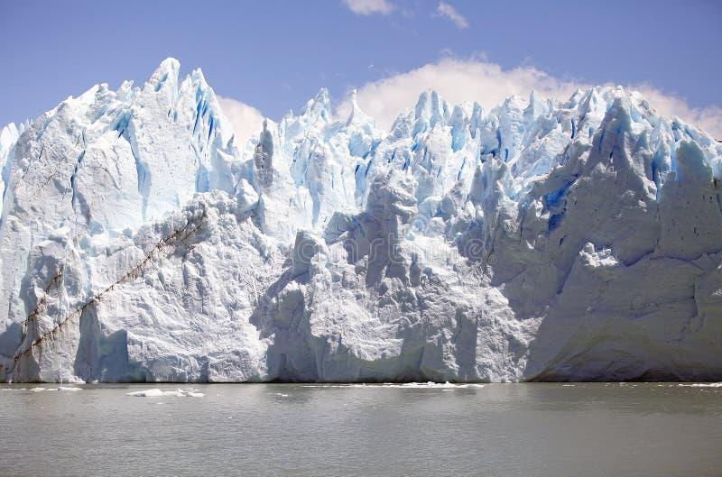 Opinión de Perito Moreno Glacier de Brazo Rico en Argentino Lake en la Patagonia, la Argentina fotografía de archivo libre de regalías