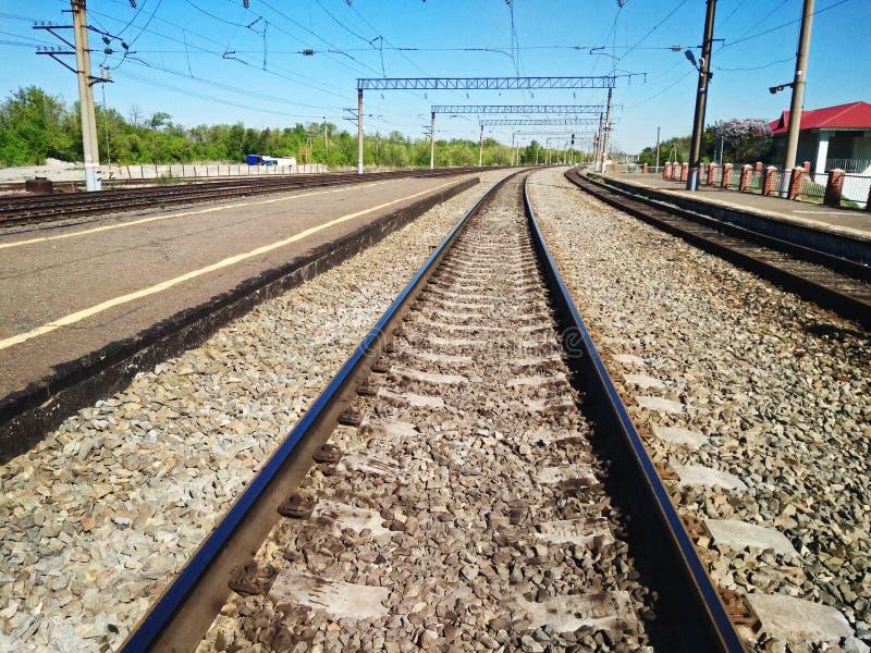 Opinión de perspectiva de pistas ferroviarias imagenes de archivo