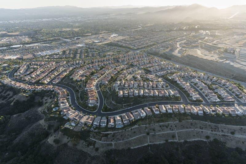 Opinión de Porter Ranch Hilltop Homes Aerial en Los Angeles California imagen de archivo libre de regalías