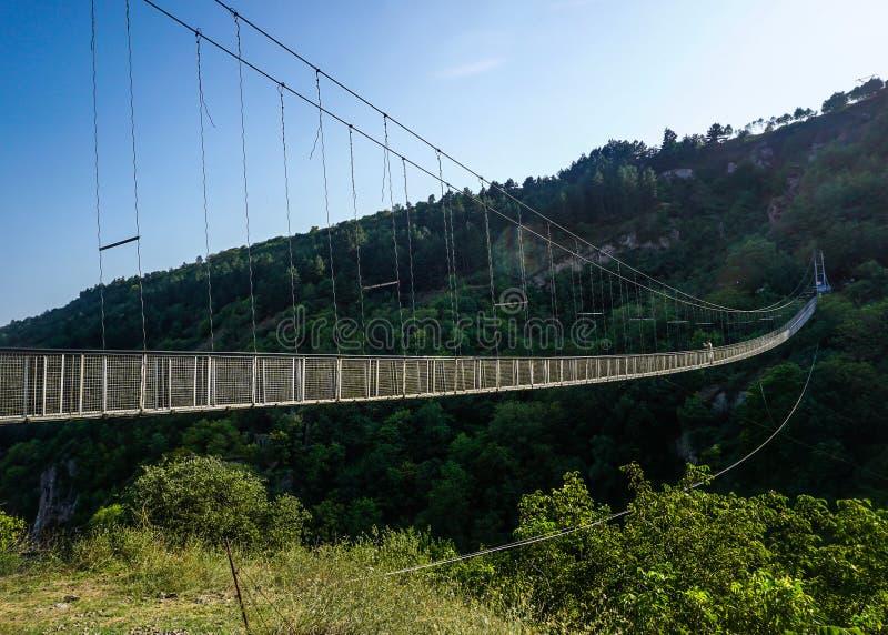 Opinión de puente de ejecución de Goris Khndzoresk imágenes de archivo libres de regalías