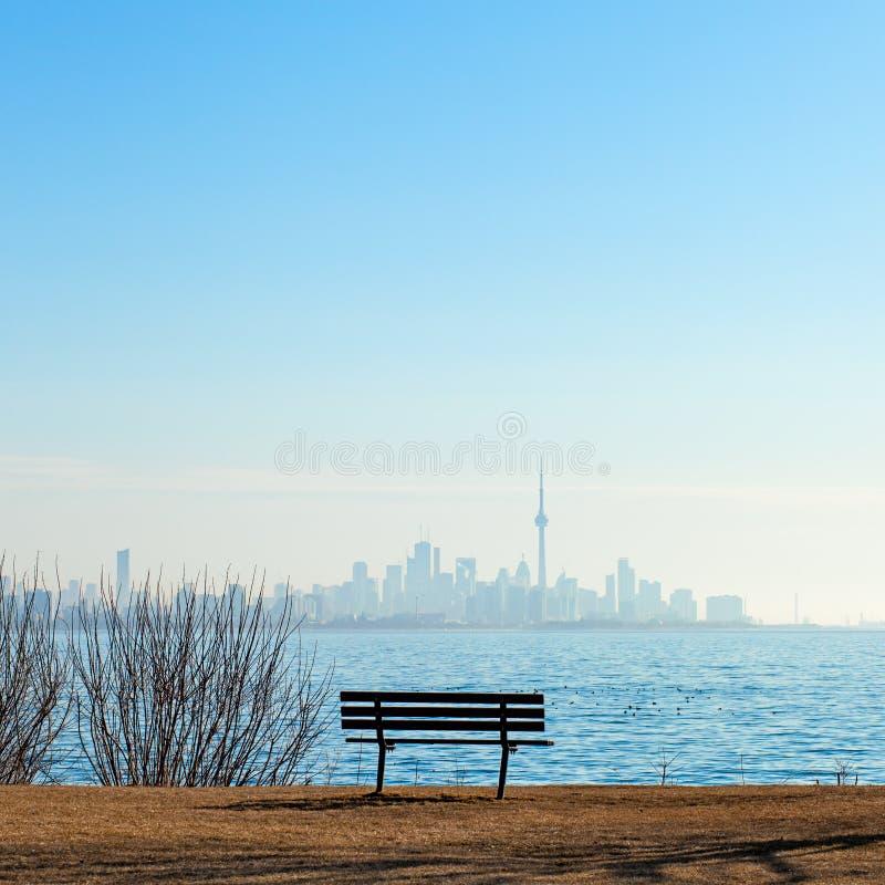 Opinión de Toronto del horizonte de la torre y de la ciudad del NC foto de archivo