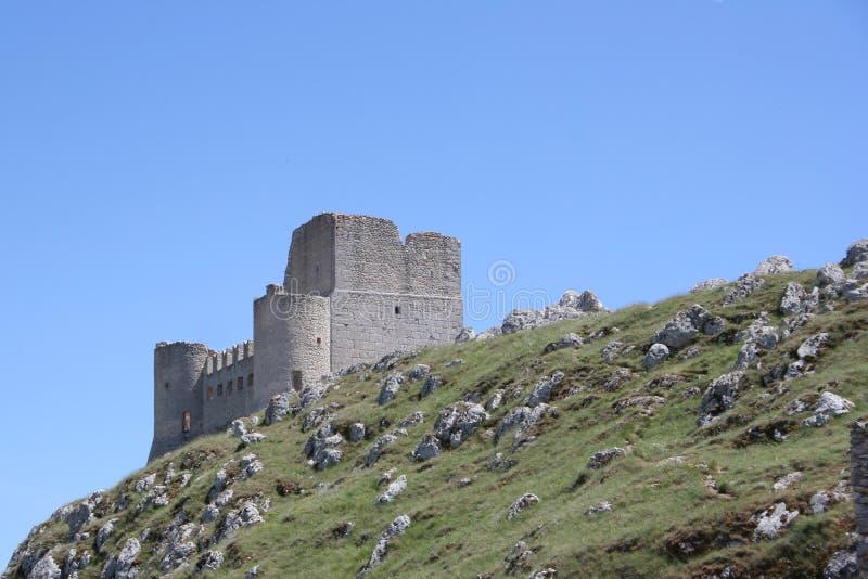 Opinión del castillo de Rocca Calascio imagen de archivo