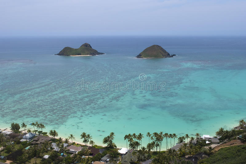 Opinión del fortín de Lanikai de las islas de Oahu Mokulua fotografía de archivo