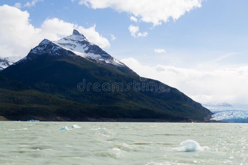 Opinión del glaciar de Perito Moreno, panorama de la Patagonia, la Argentina imagenes de archivo