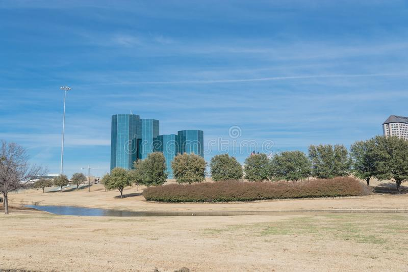 Opinión del horizonte de Las Colinas de John Carpenter Freeway imagenes de archivo