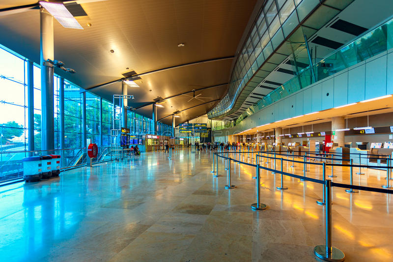Opinión del interior del aeropuerto de Valencia fotos de archivo libres de regalías