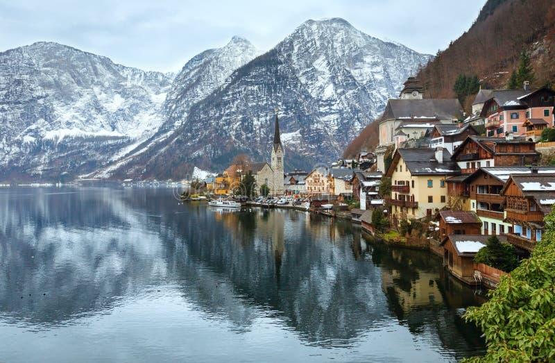 Opinión del invierno de Hallstatt (Austria) imagen de archivo libre de regalías