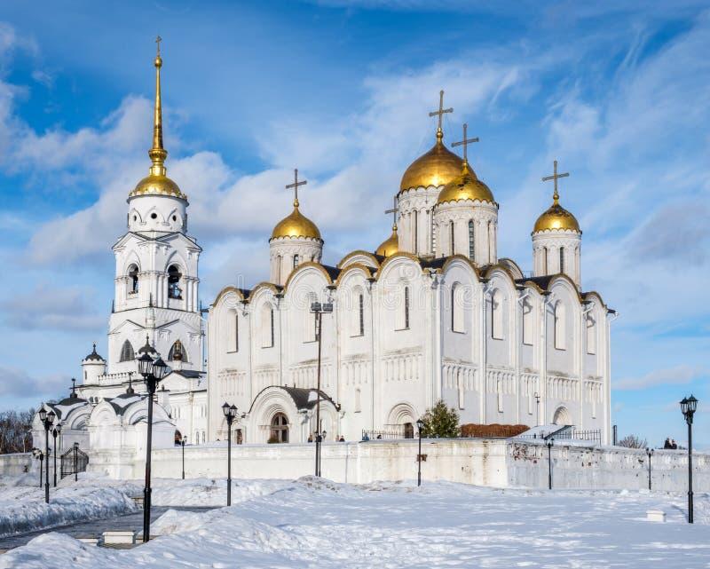 Opinión del invierno de la catedral de Uspenski en Vladimir imagen de archivo libre de regalías