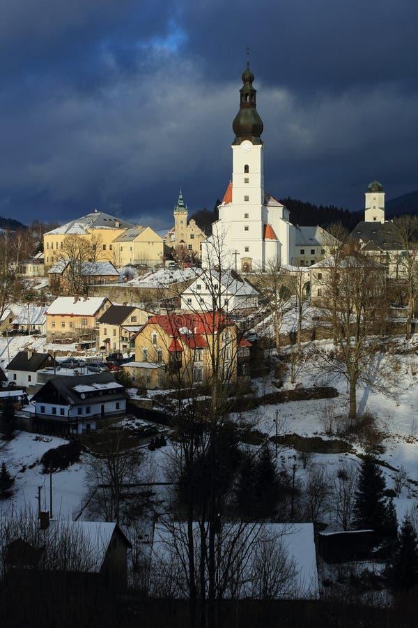 Opinión del invierno de la ciudad de Branna fotos de archivo