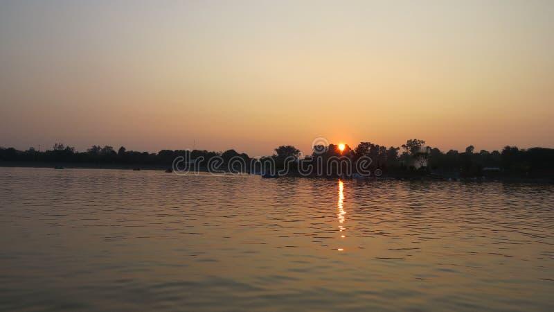 Opinión del lago, puesta del sol imagen de archivo libre de regalías