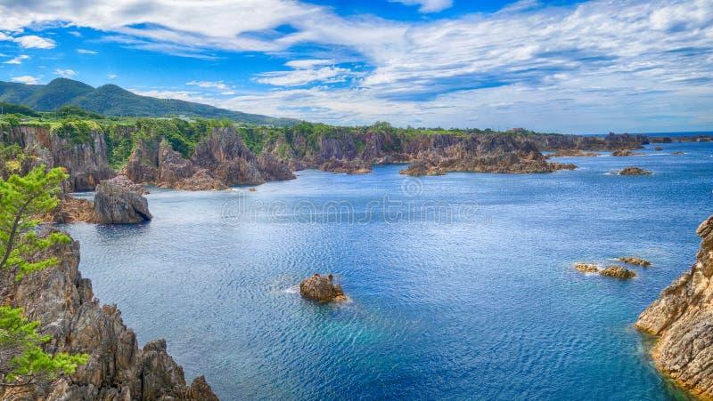 Opinión del mar de la colina en la isla Niigata de Sado fotografía de archivo