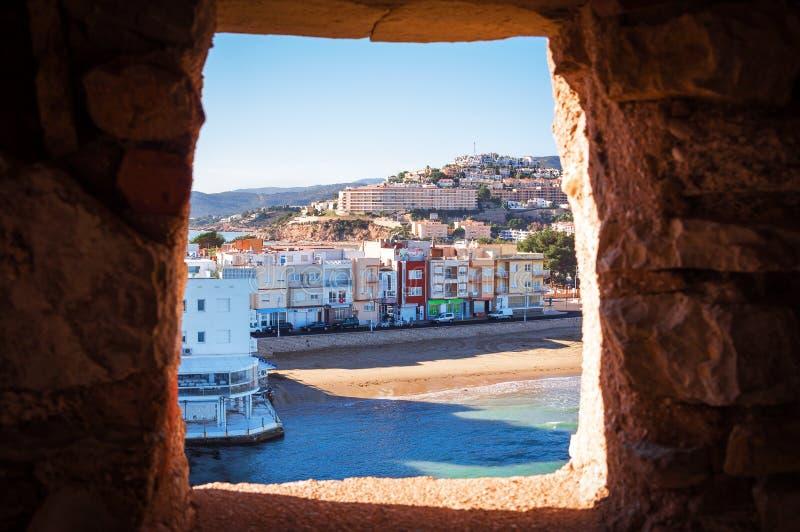 Opinión del mar del agujero en la pared España, Valencia fotos de archivo