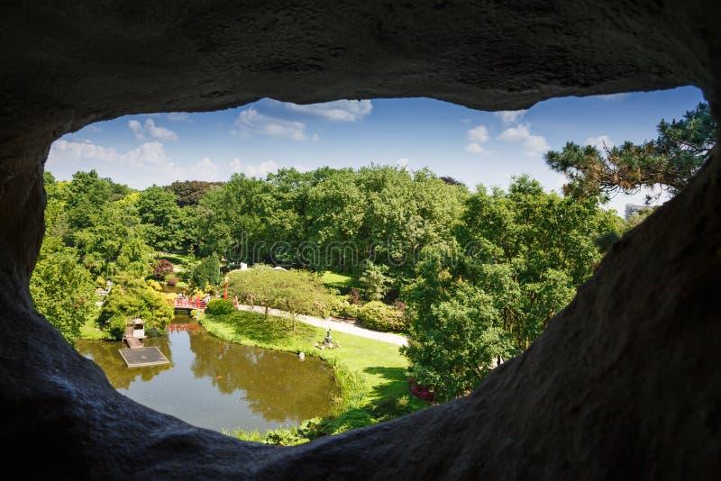 Opinión del paisaje de la cueva imagenes de archivo