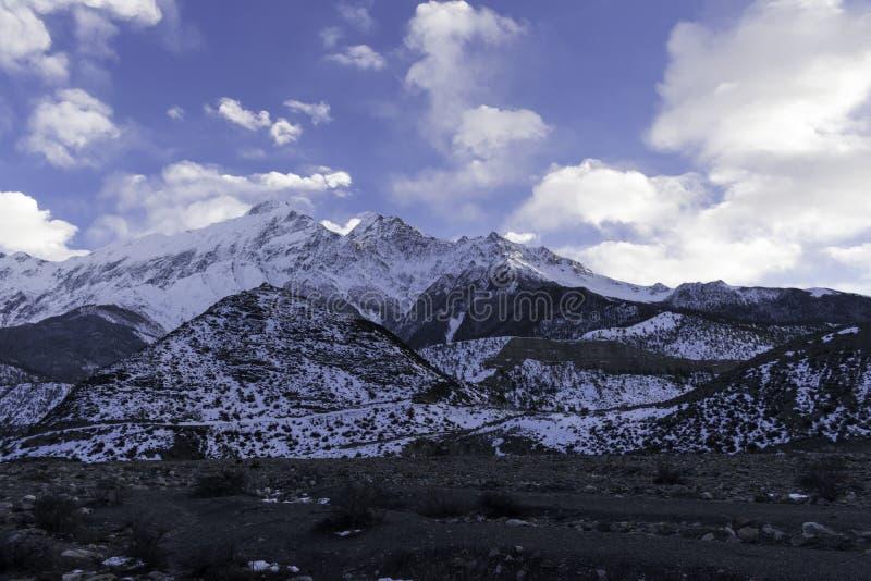 Opinión del paisaje de la montaña fotografía de archivo
