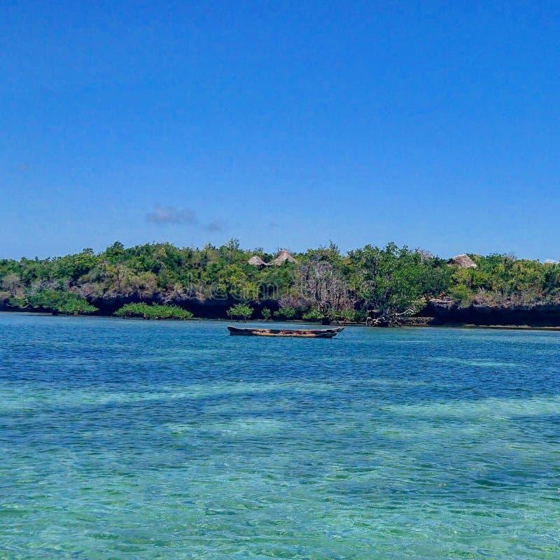 Opinión del paisaje marino del Océano Índico en Wasini fotos de archivo libres de regalías