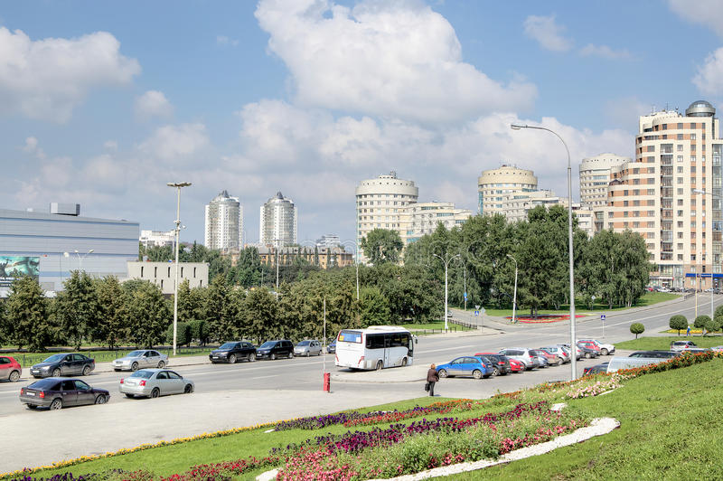 Opinión del paisaje urbano de Ekaterimburgo moderno fotografía de archivo