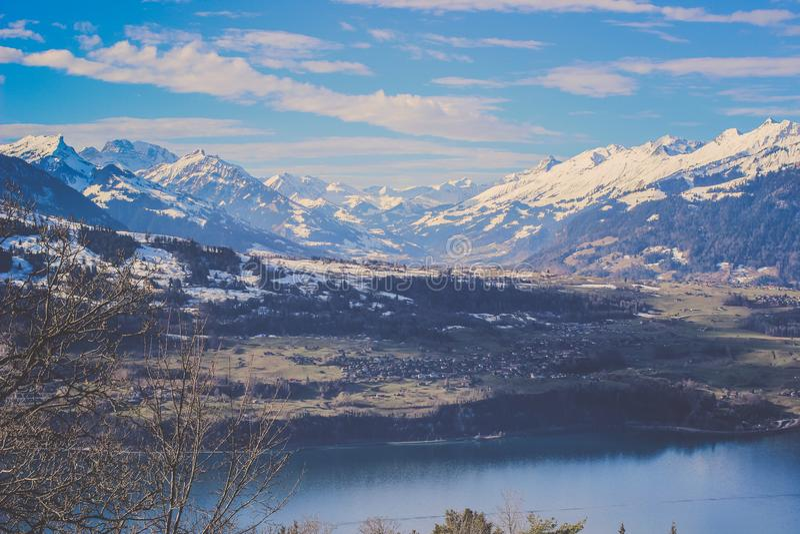 Opinión del panorama de la montaña de Burgfeldstand de las montañas del emmental en Suiza imagen de archivo libre de regalías