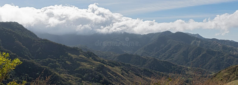Opinión del panorama del paisaje de la selva tropical en el monteverde Costa Rica fotos de archivo