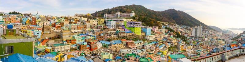 Opinión del panorama del pueblo de la cultura de Gamcheon, Busán, Corea del Sur foto de archivo libre de regalías