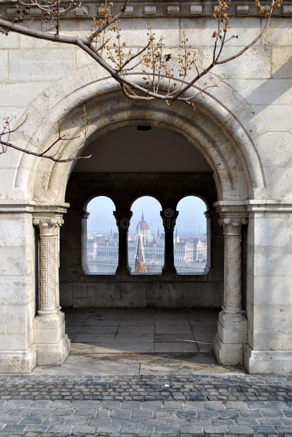 Opinión del parlamento húngaro en Budapest imágenes de archivo libres de regalías