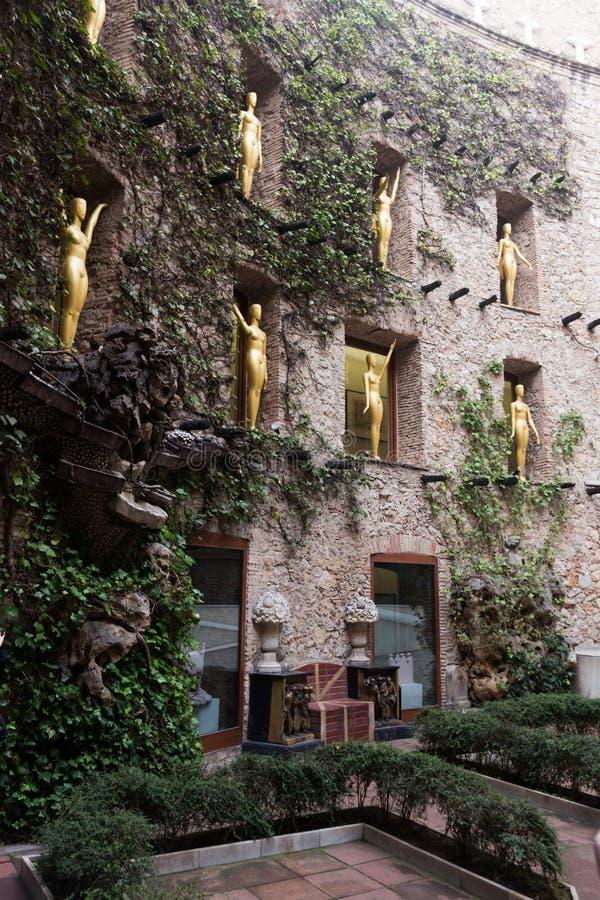 Opinión del patio en Dali Theatre y el museo, España imagen de archivo libre de regalías
