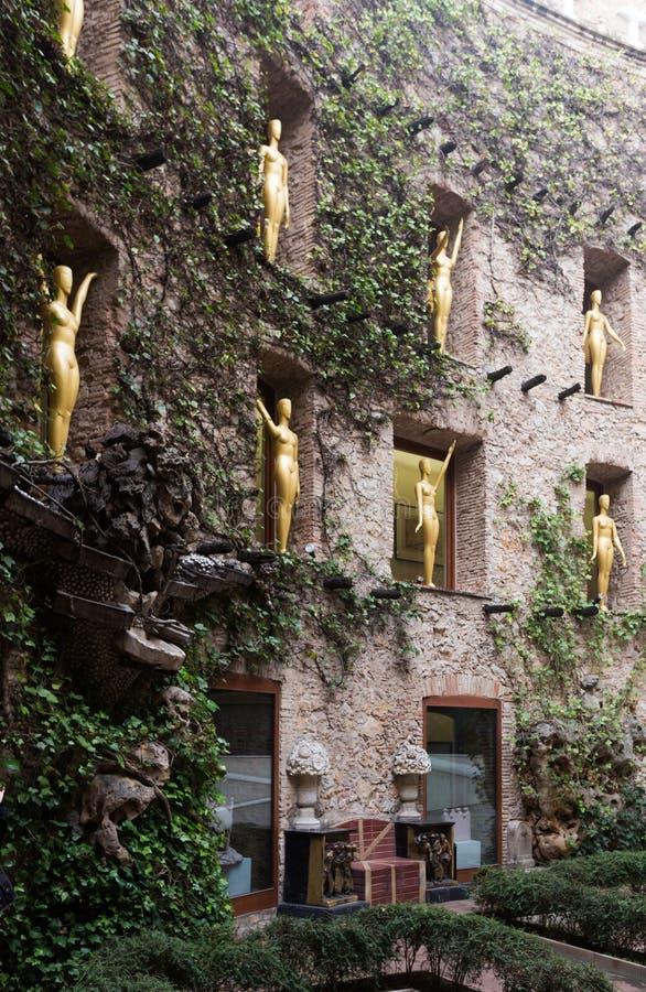Opinión del patio en Dali Theatre y el museo, España foto de archivo libre de regalías