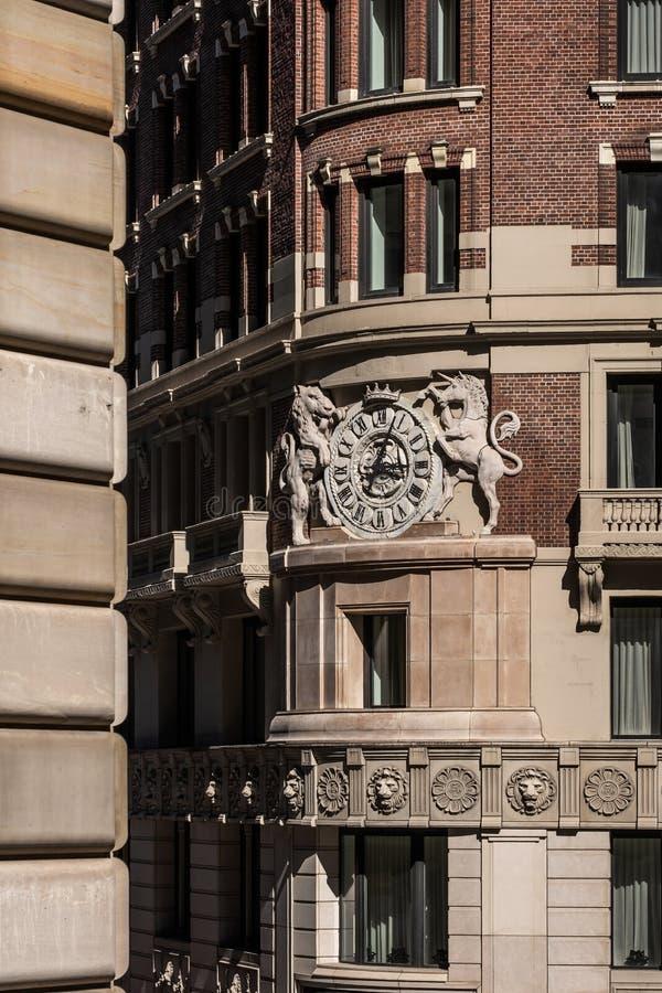 Opinión del primer de la construcción de viviendas histórica en el Lower Manhattan financiero New York City del distrito imágenes de archivo libres de regalías
