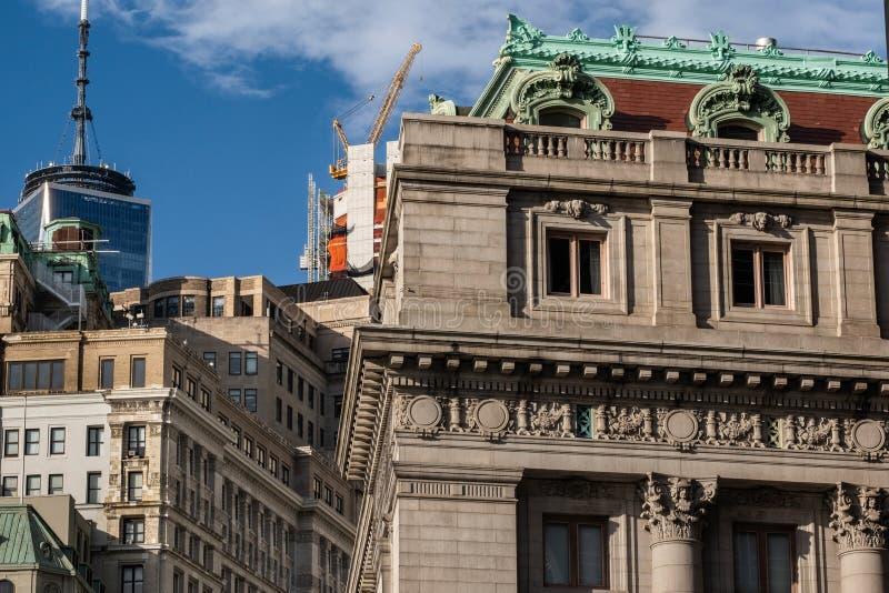 Opinión del primer de rascacielos históricos y modernos en el Lower Manhattan financiero New York City del distrito fotografía de archivo libre de regalías