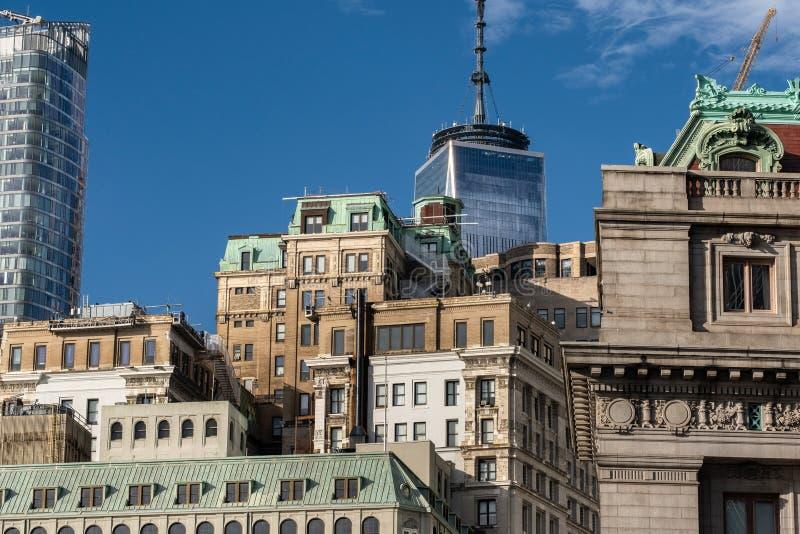 Opinión del primer de rascacielos históricos y modernos en el Lower Manhattan financiero New York City del distrito fotos de archivo libres de regalías