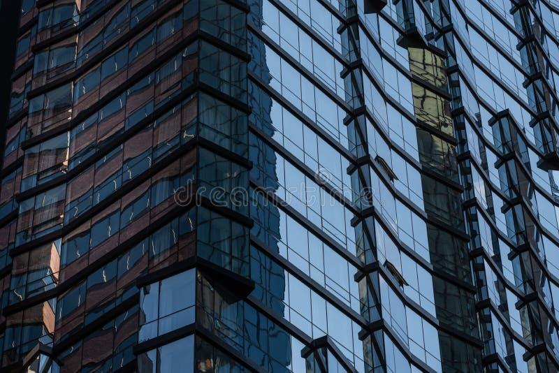 Opinión del primer de rascacielos modernos en el Lower Manhattan financiero New York City del distrito foto de archivo libre de regalías