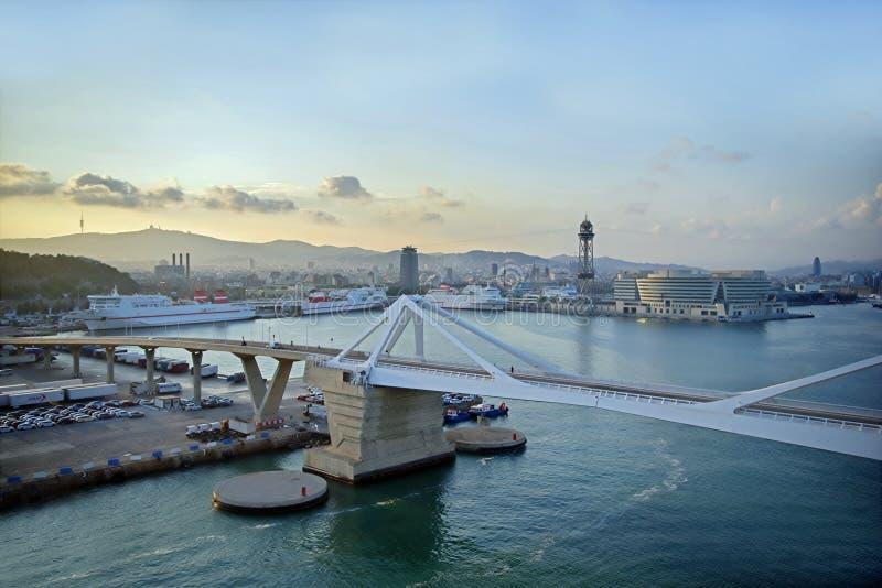 Opinión del puerto de Barcelona fotos de archivo libres de regalías