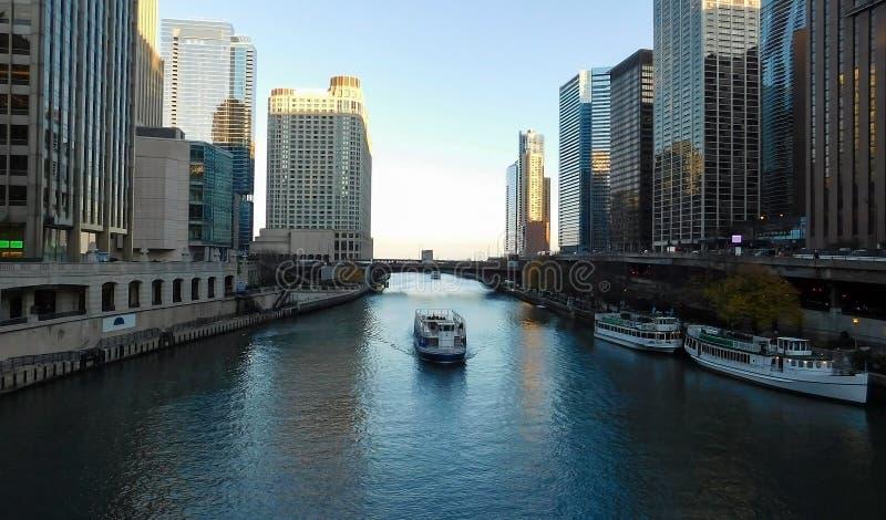 Opinión del río Chicago fotografía de archivo libre de regalías