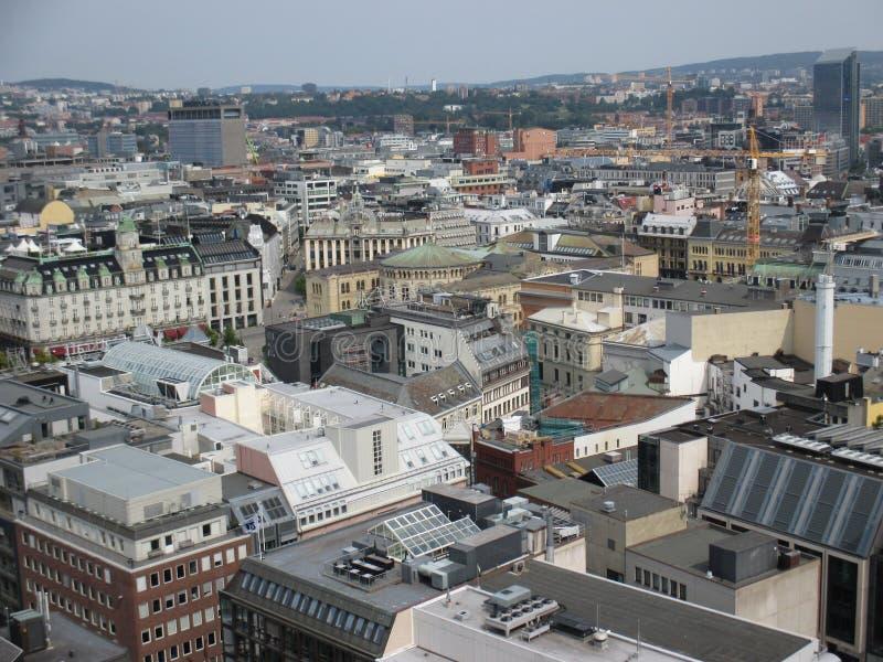 Opinión del s-ojo del ` del pájaro de edificios en Oslo céntrica, Noruega fotos de archivo