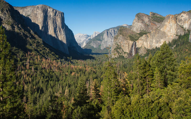 Opinión del túnel del parque nacional de Yosemite fotos de archivo libres de regalías