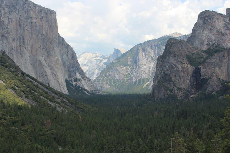 Opinión del túnel - parque nacional de Yosemite foto de archivo libre de regalías