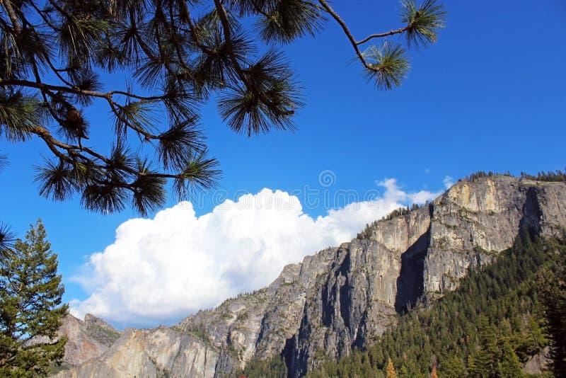 Opinión del túnel, Yosemite, parque nacional de Yosemite fotos de archivo