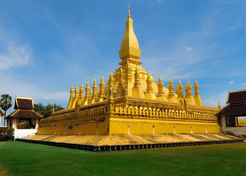 Opinión del templo en Laos imágenes de archivo libres de regalías