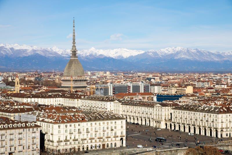 Opinión del topo Antonelliana y de Turín de la colina de Cappuccini del dei de Monte, Italia imagen de archivo libre de regalías