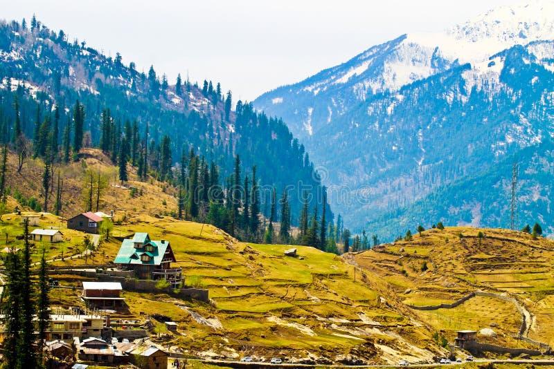 Opinión del valle de Manali superior la India imagenes de archivo