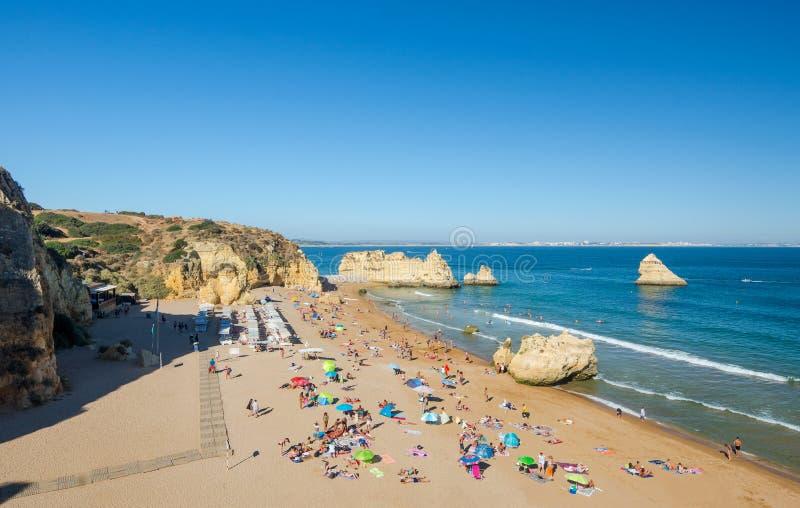 Opinión Dona Ana Beach Lagos, distrito Faro, Algarve, Portugal meridional fotos de archivo