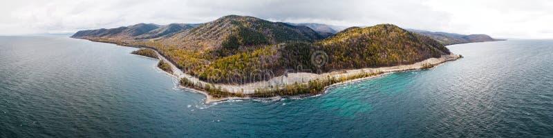Opinión earial del lago Baikal fotografía de archivo