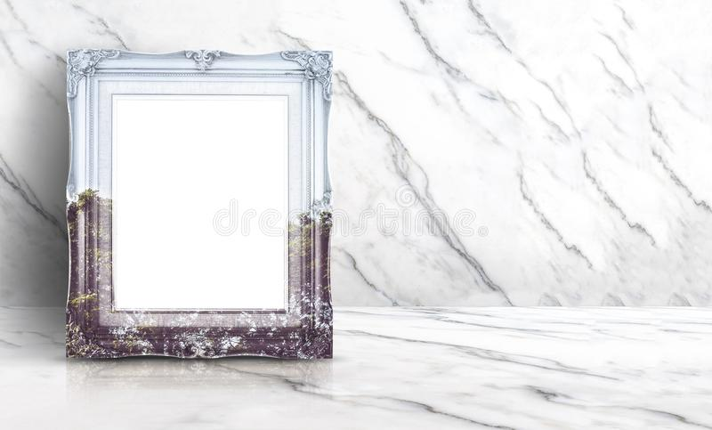 Opinión en blanco de la naturaleza de la exposición doble sobre marco del vintage en el clea blanco fotos de archivo libres de regalías