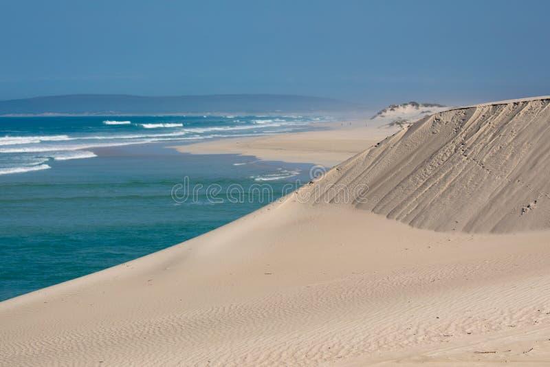 Opinión en la reserva de naturaleza costera de De Mond, Suráfrica del Océano Índico foto de archivo libre de regalías