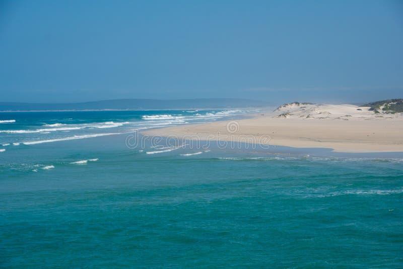 Opinión en la reserva de naturaleza costera de De Mond, Suráfrica del Océano Índico fotos de archivo libres de regalías