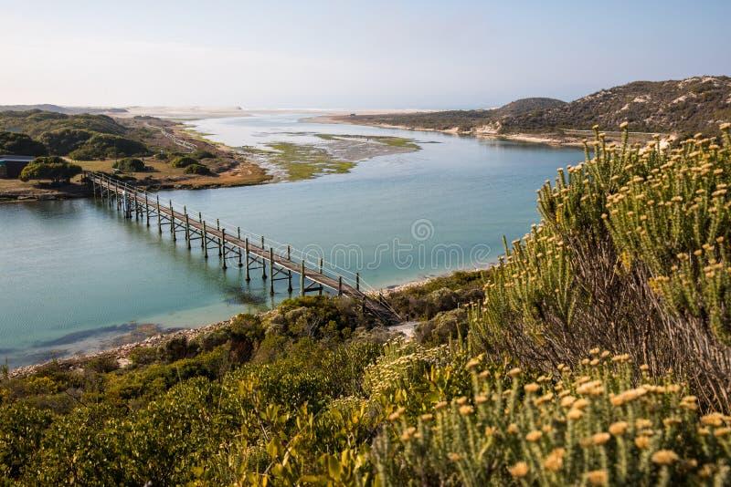 Opinión en la reserva de naturaleza costera de De Mond, Suráfrica del Océano Índico imagen de archivo libre de regalías